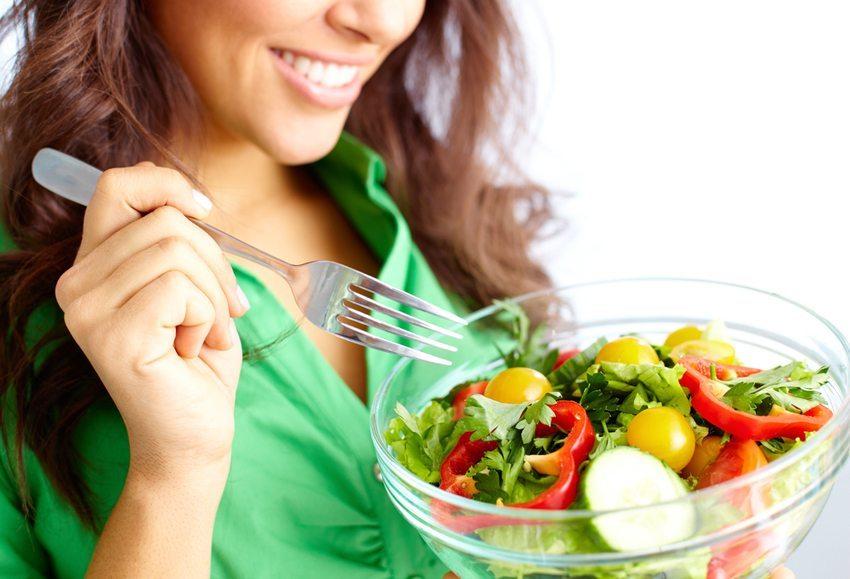 Obst und Gemüse sind wahre Stützen unserer Schönheit (Bild: Pressmaster / Shutterstock.com)