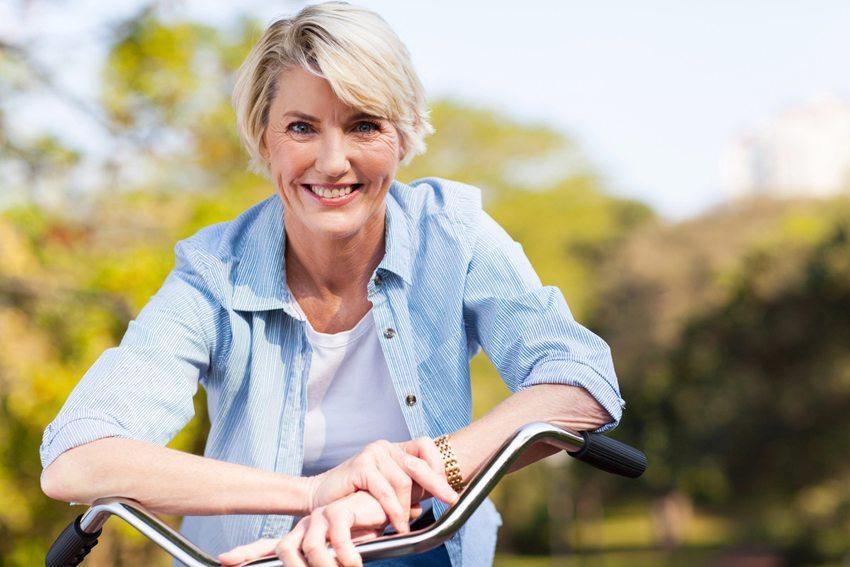 Anti-Aging beginnt mit einem gesunden Lebensstil (Bild: michaeljung / Shutterstock.com)