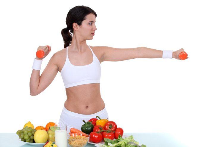 Richtige Ernährung ist hilfreich, um den Muskelaufbau positiv zu beeinflussen (Bild: auremar / Shutterstock.com)