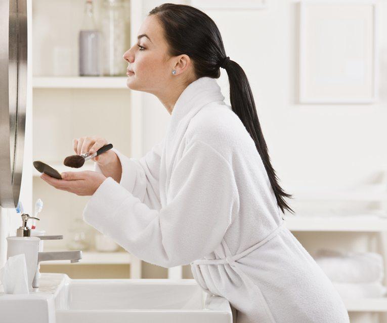 Optimieren Sie Ihre Beauty-Routine. (Bild: AVAVA / Shutterstock.com)