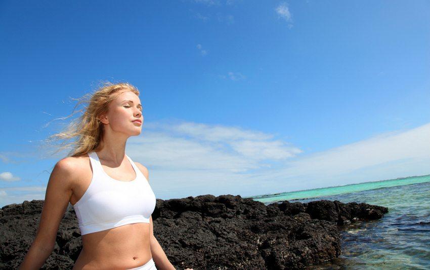 Indian Balance – effektives Training für Körper und Geist (Bild: Goodluz / Shutterstock.com)