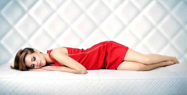 Das Bett als Ort der Erholung. (Bild: © Anton Maltsev - Fotolia.com)