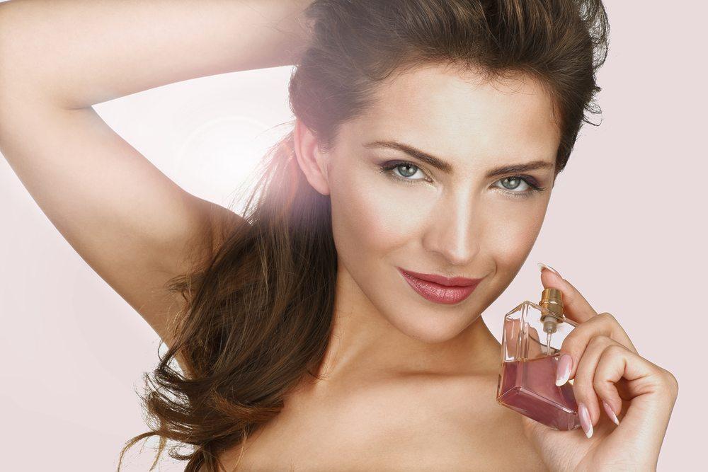 Wie lange ist Parfüm haltbar? (Bild: ipag / Shutterstock.com)