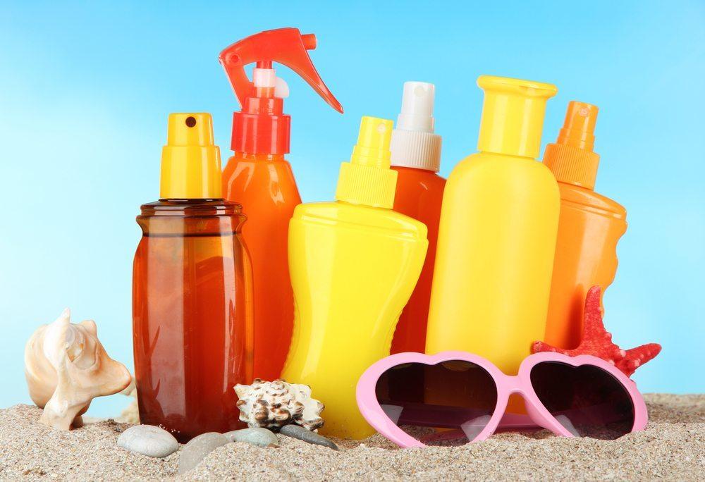 Versorgen Sie Ihre Haut mit Feuchtigkeit. (Bild: Africa Studio / Shutterstock.com)