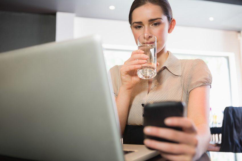 DrinkMe-App erinnert Sie daran, ausreichend zu trinken (Bild: wavebreakmedia / Shutterstock.com)
