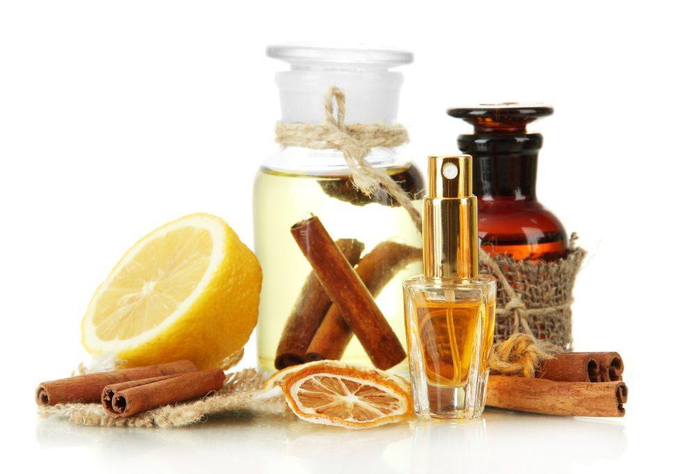 Fruchtige Parfums. (Bild: Africa Studio / Shutterstock.com)