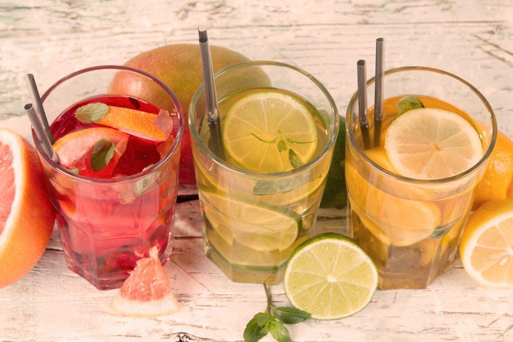 Zu jedem Picknick gehören auch unterschiedliche Getränke. (Bild: Verca / Shutterstock.com)