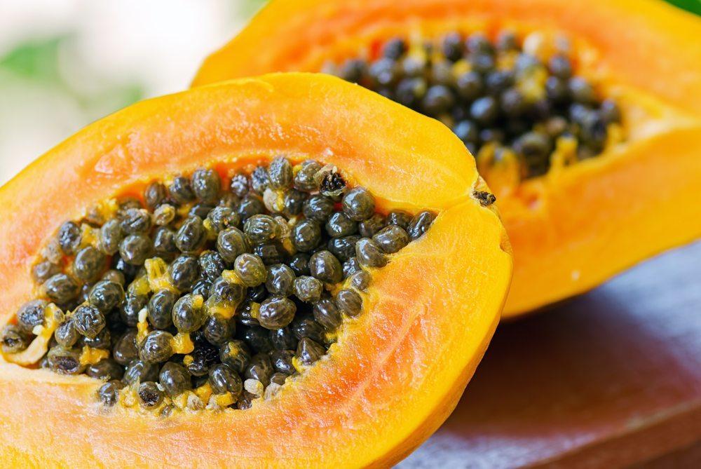 Melone, Papaya und Zitrone – heilende Exoten. (Bild: Efired / Shutterstock.com)