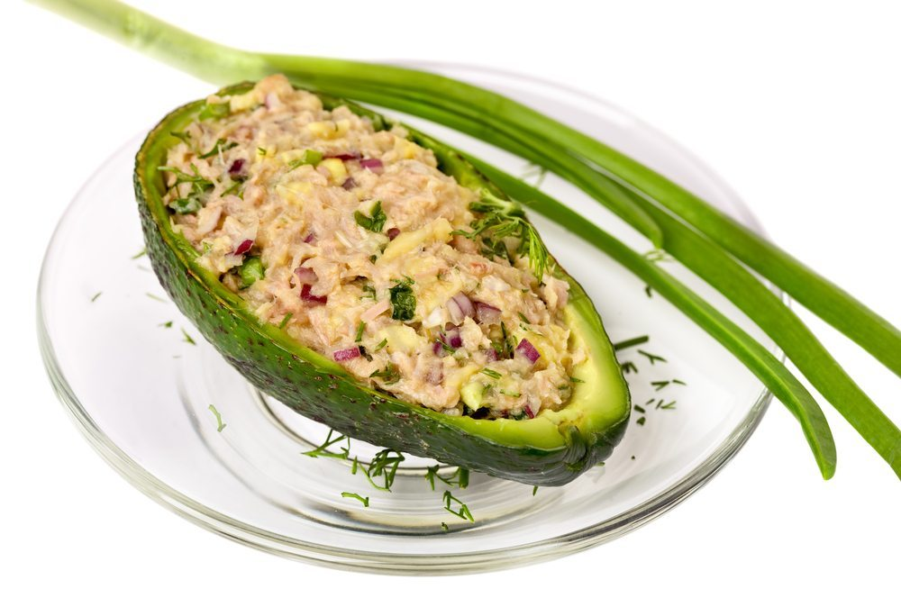 Thunfisch-Avocados. (Bild: Aivolie / Shutterstock.com)