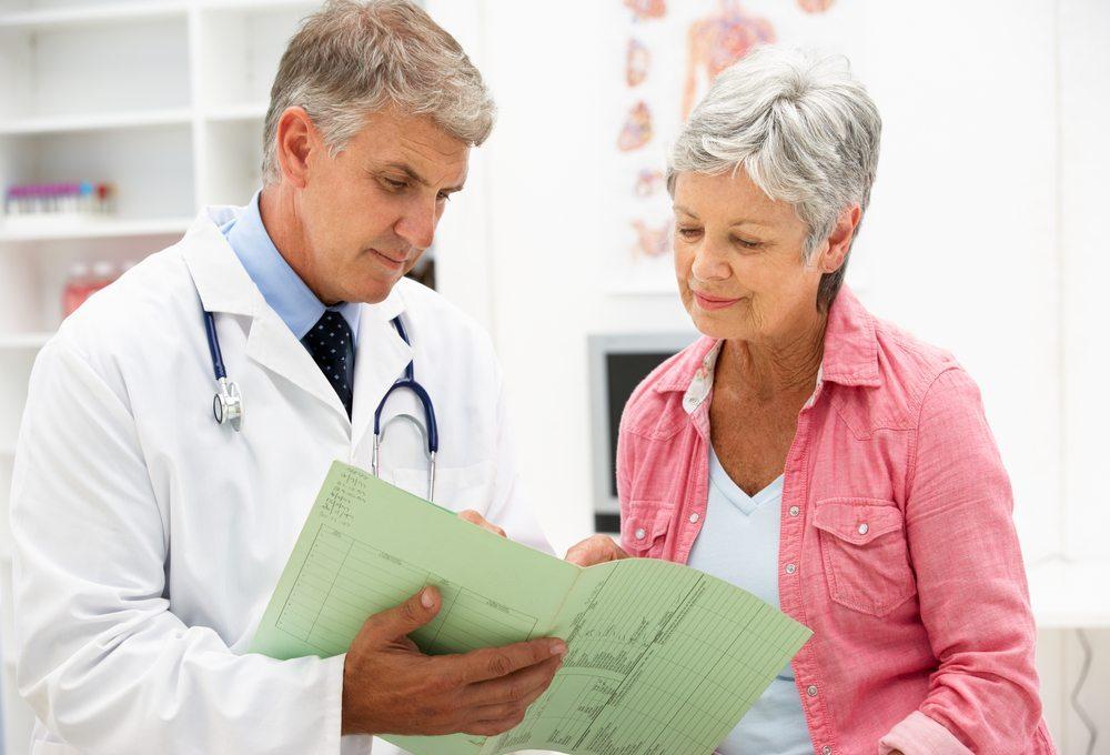 Wallungen stellen das häufigste Symptom dar. (Bild: Image Point Fr / Shutterstock.com)