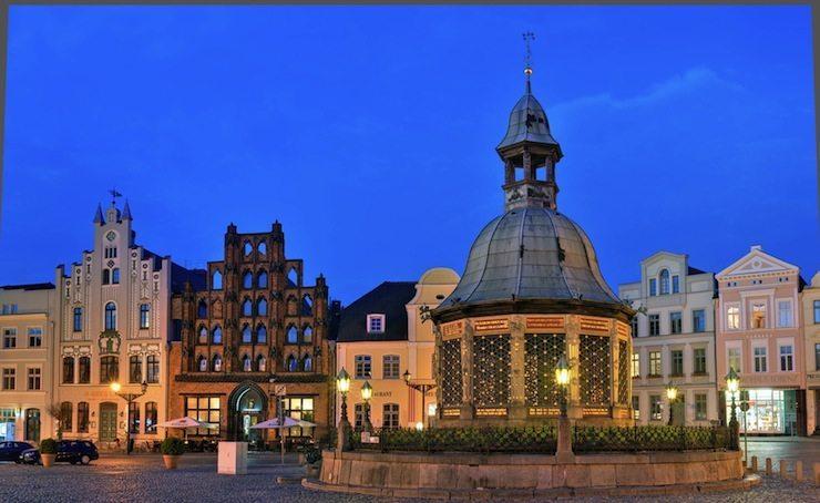 Mit Carreisen schöne Orte entdecken - z. B. Wismar. (Bild: © World travel images - Fotolia.com.jpg)