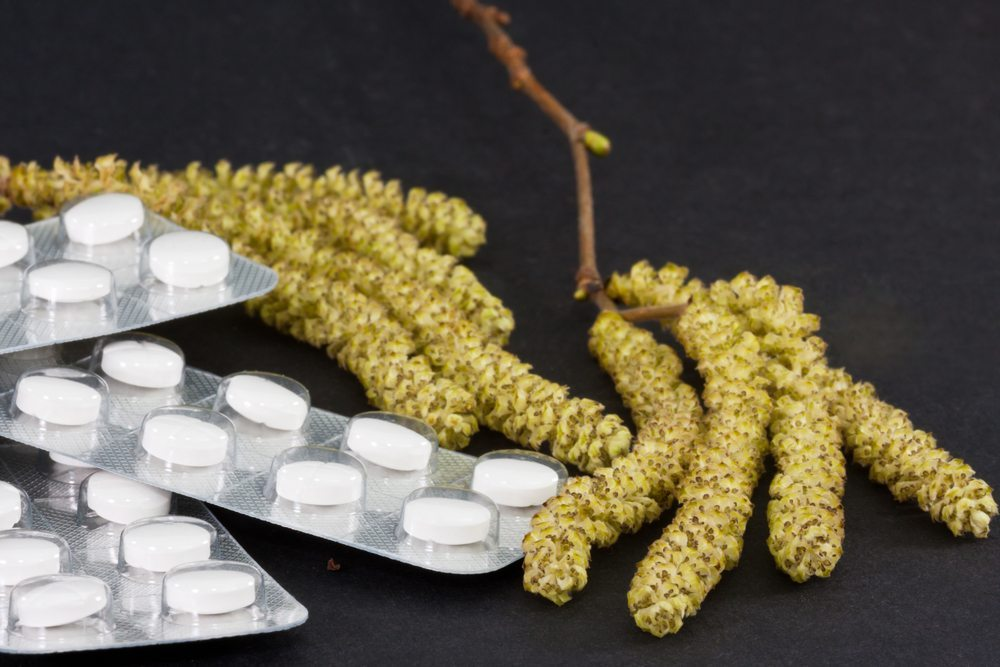 Eine Behandlung erfolgt entweder mittels spezieller Medikamente oder einer histaminfreien Diät. (Bild: Copit / Shutterstock.com)