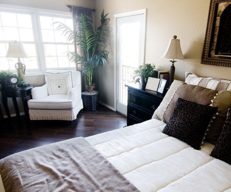 Ein schönes Bett ist einladend und gemütlich. (Bild: © Paul Hill - Fotolia.com)