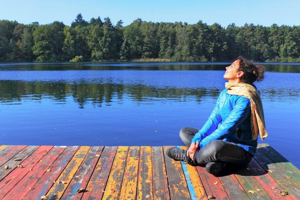 Die Herbstsonne reicht zur Ausbildung von genügend Vitamin D nicht mehr aus. (Bild: ArTono / Shutterstock.com)