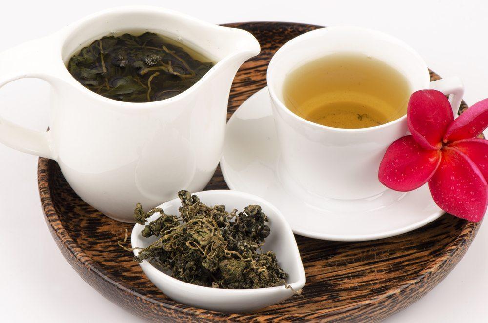 Die Blätter ergeben einen süsslich-herben Tee ( Bild: wasanajai / Shutterstock.com)