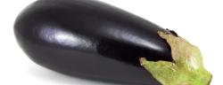 Schwarzes Gemüse-Preto Perola-Shutterstock.com