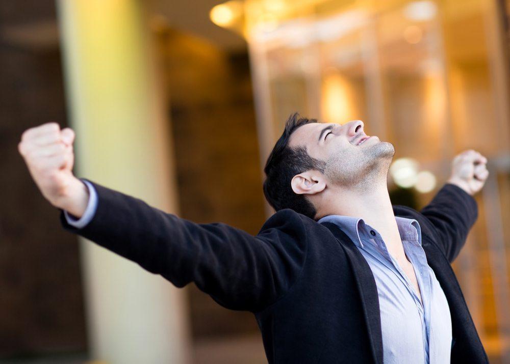 Der richtige Snack gibt Power für den Alltag. (Bild: © Andresr - shutterstock.com)