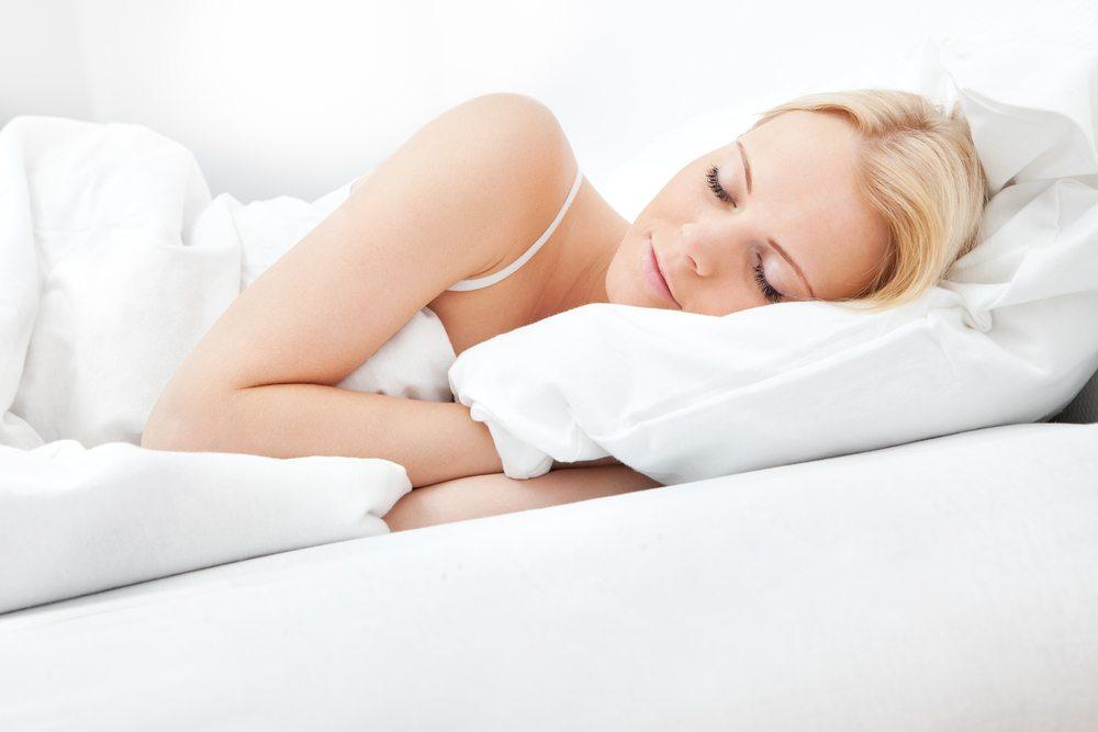 Erholsamer Schlaf steigert die Lebensqualität. (Bild: Andrey_Popov / Shutterstock.com)