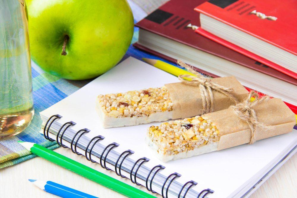 Naschereien sollten nicht vollständig verboten werden, sind aber sorgfältig auszuwählen. (Bild: Lapina Maria / Shutterstock.com)