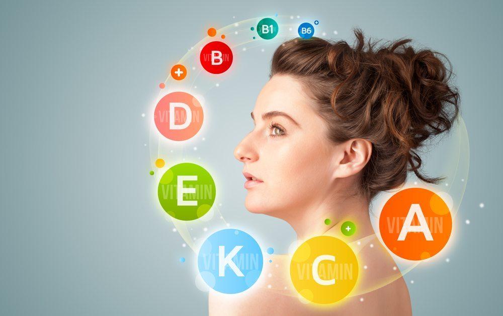 Welche Vitamine führen aber bei Mangel zu frühzeitigen Alterserscheinungen? (Bild: © ra2studio - shutterstock.com)