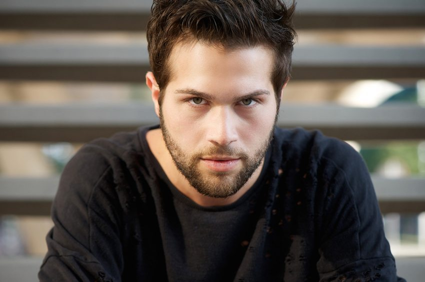 Der Bart ist moderner denn je. (Bild: mimagephotography / Shutterstock.com)