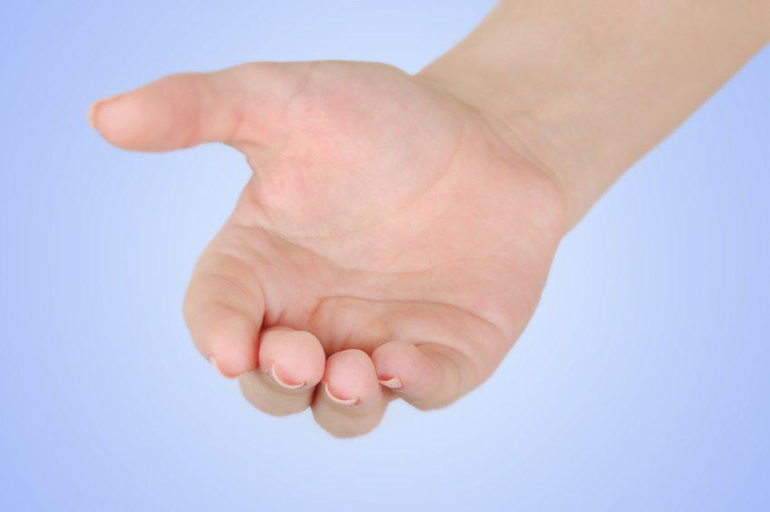 Es gibt einen Zusammenhang zwischen den Rillen auf der Daumenkuppe und der Funktion der Bauchspeicheldrüse. (Bild: DeeaF / Shutterstock.com)