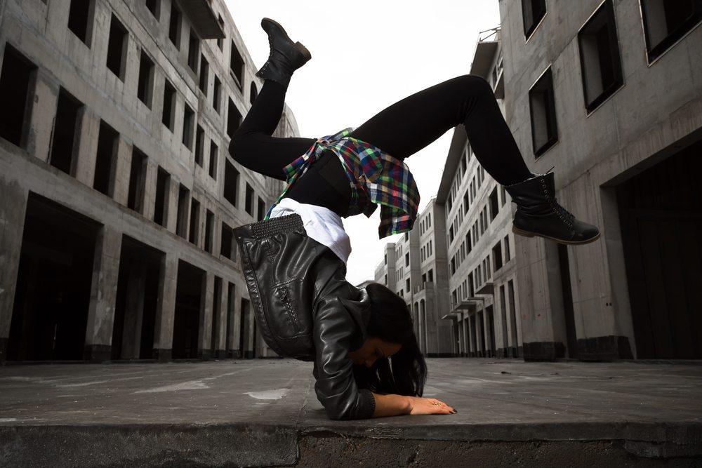 Man trainiert viele unterschiedliche Muskeln und hält sich mit viel Spass fit. (Bild: © momente - shutterstock.com)