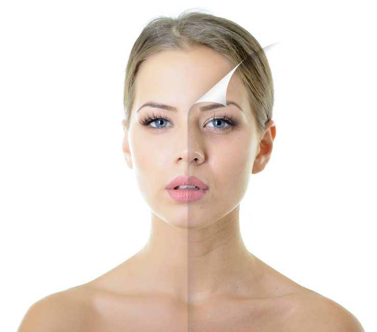Wichtig ist, dass der Concealer immer einen Hauch heller ist als der eigene Hautton. (Bild: © vita khorzhevska - shutterstock.com)
