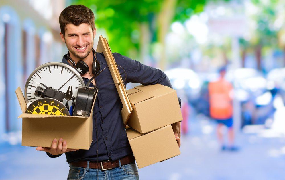 Gerade in der Grossstadt bietet sich eine Umzugsfirma an. (Bild: © Aaron Amat - shutterstock.com)