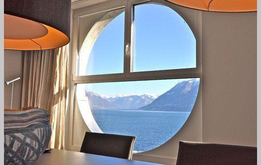 """Geniessen Sie in der Ferienwohnung """"Al Porto"""" die tolle Aussicht. (Bild: © tessin-ferienwohnungen.com)"""