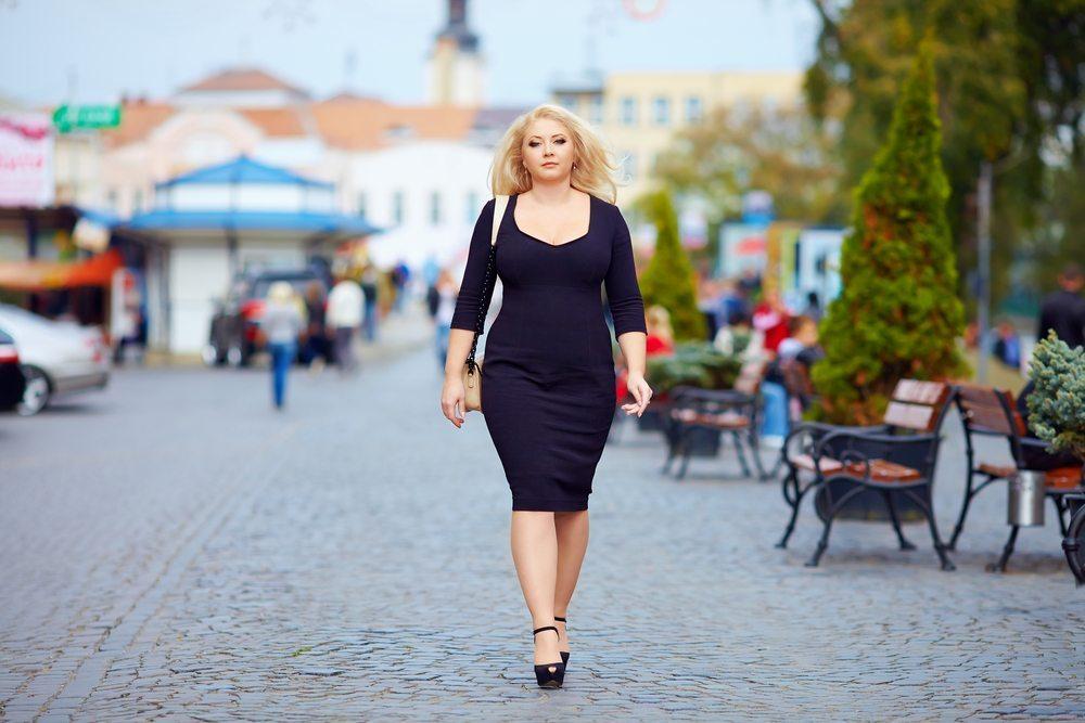 Aufgezwungene Schönheitsideale (Bild: © Olesia Bilkei - shutterstock.com)