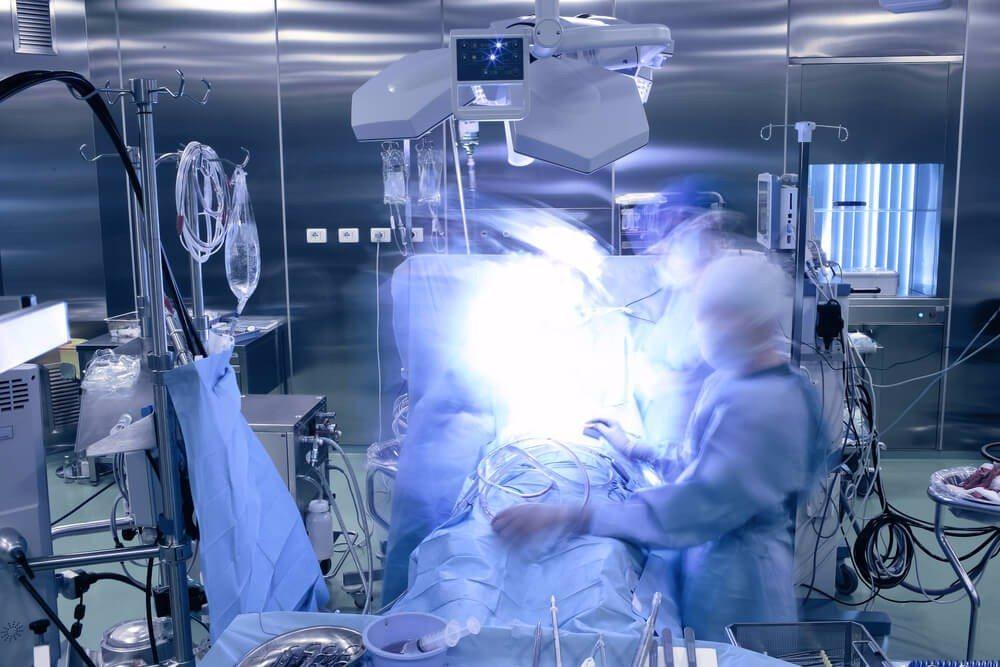 Die kosmetische Chirurgie kennt heute viele Methoden Schönheitsfehler zu korrigieren. (Bild: © sfam_photo - shutterstock.com)
