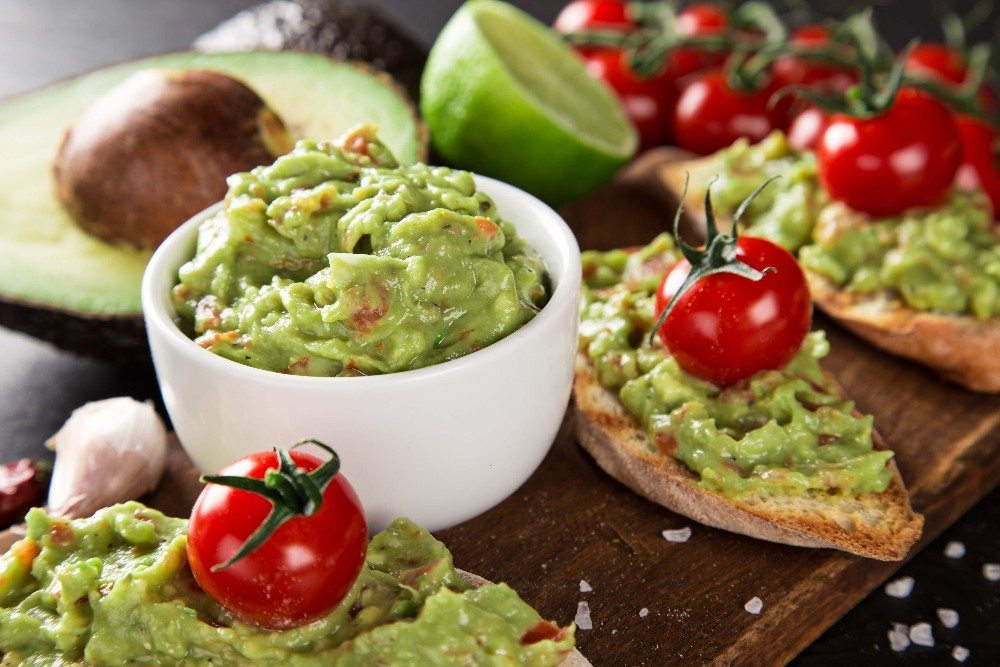 Die Avocado ist eine ungemein nährstoffreiche Frucht. (Bild: © Lukas Gojda - fotolia.com)