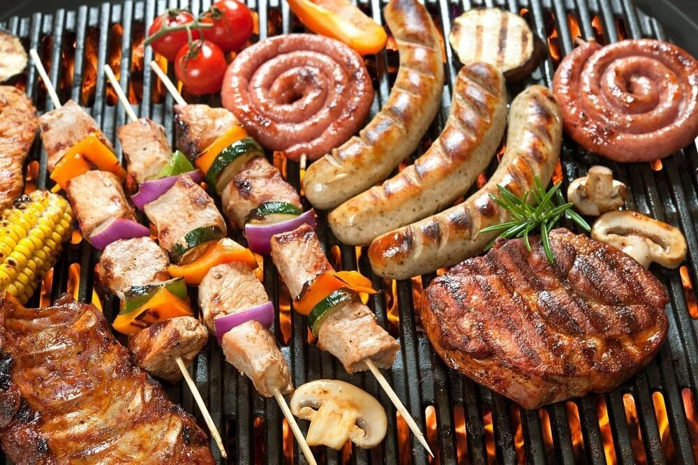 Der sommerliche Grill-Spaß (Bild: © Alexander Raths - fotolia.com)