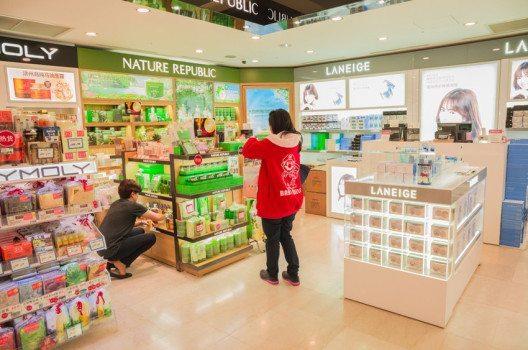 Kosmetikladen in Südkorea (Bild: Nuk2013 – shutterstock.com)