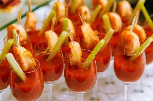 Tomatensaft ist ein idealer Aperitif. (Bild: Milkos – shutterstock.com)