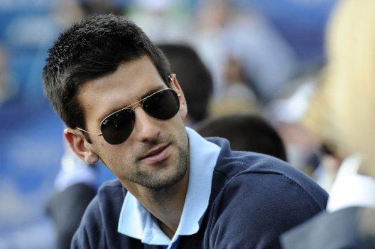 Novak Djokovic – auch unter Stars zählen Ray-Ban-Brillen zu den beliebtesten Sonnenbrillen. (Bild: Marko Rupena – shutterstock.com)