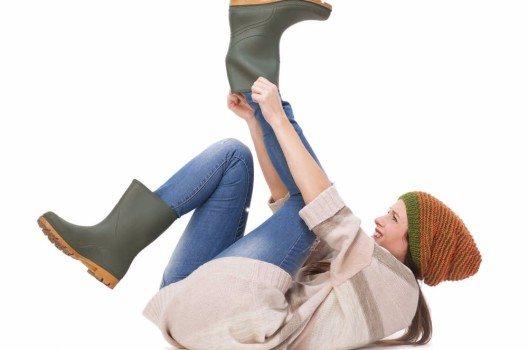 Wie lange Sie Freude an Ihren Schuhen haben, hängt auch davon ab, wie Sie sie an- und ausziehen.