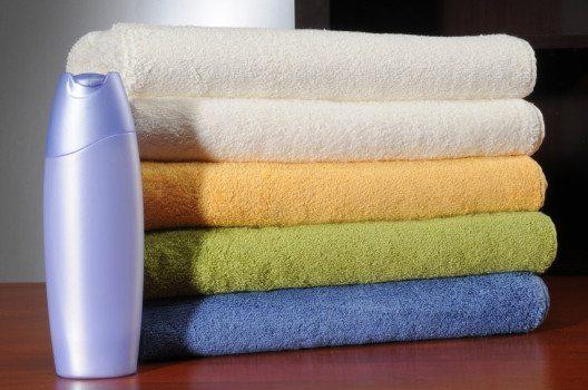 Ungeliebte Shampoos können Waschmittel benutzt werden. (Bild: K. Miri Photography – shutterstock.com)