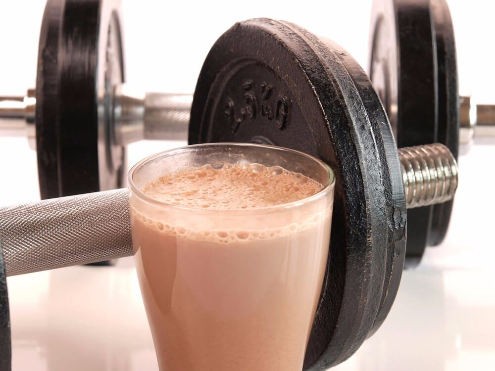 Der Proteinshake gilt seit Jahren als Klassiker bei Diäten und im Fitnessstudio. (Bild: © Andreas berheide - shutterstock.com)