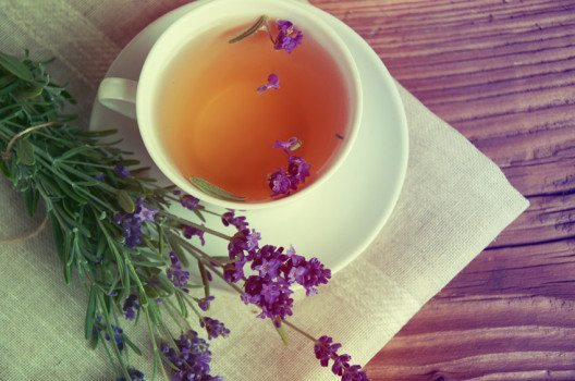 Lavendeltee (Bild: IgorAleks – shutterstock.com)