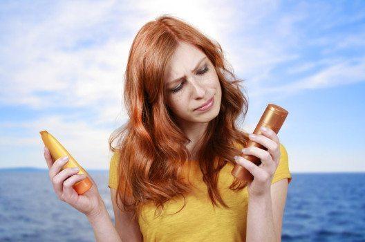 Die Zusatzstoffe in Cremes, Salben und Kosmetika können die juckenden Bläschen auslösen. (Bild: absolutimages – shutterstock.com)