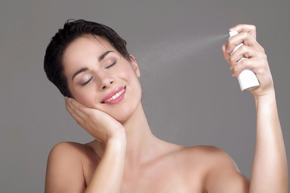 Sprays mit Thermalwasser sind eigentlich nur Wasser in Flaschen. (Bild: © ipag - fotolia.com)