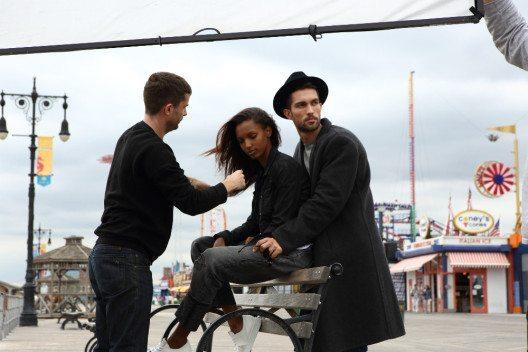 Die beiden Models Jasmine Tookes und Tobias Sorensen stehen als echtes Liebespaar im Vordergrund der Anzeigenkampagne von Eternity Now Calvin Klein. (Bild: © Calvin Klein)