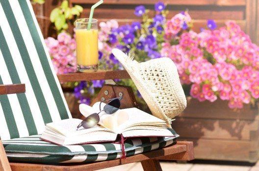 Spritzig frische Getränke gibt es nicht nur in der Lieblingsbar, sondern auch auf dem eigenen Balkon. (Bild: © Johanna Mühlbauer - fotolia.com)