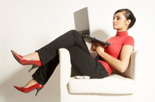 Schmale und elegante Lederschuhe sind im Business immer eine gute Wahl. (Bild: HadK – shutterstock.com)