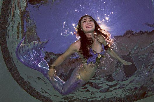 Mermaiding macht auf sanfte Art fit. (Bild: Greg Amptman – shutterstock.com)