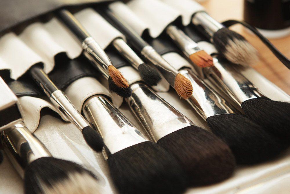 schminkpinsel die lieblingswerkzeuge der make up artists. Black Bedroom Furniture Sets. Home Design Ideas