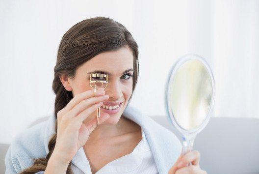 Wimpernzange sieht gefährlich aus, hat aber eine grosse Wirkung. (Bild: lightwavemedia – shutterstock.com)