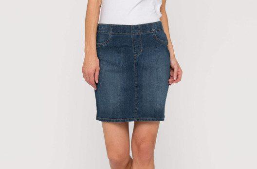 Die neuen Jeans-Röcke sehen jetzt viel stylischer aus als früher. (Bild: www.c-and-a.com)